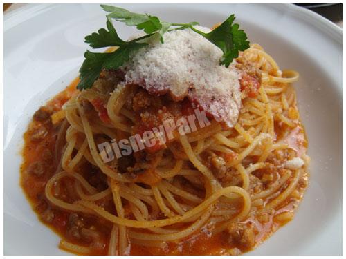 スパゲッティーニ、鴨肉のラグー