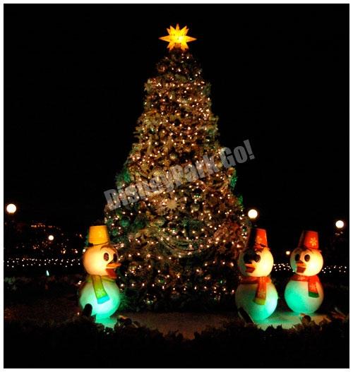アヒルがいるクリスマスツリー