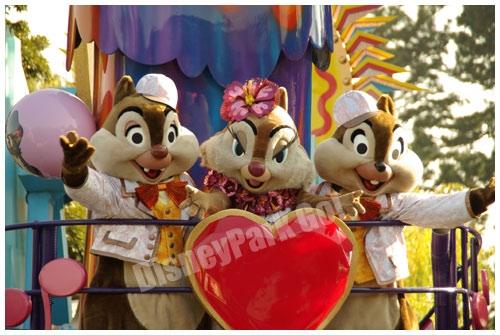 栗鼠3人で仲良くポーズ