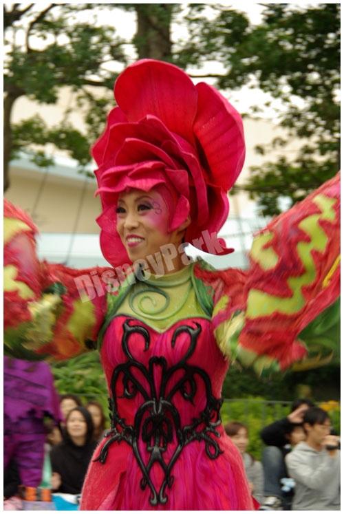ウェルカム・トゥ・スプーキーヴィル女性ダンサー(チップ&デール)