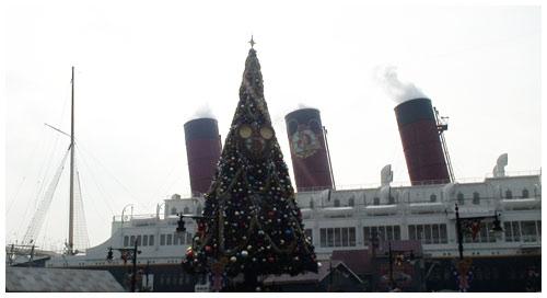東京ディズニーシー5周年のクリスマスツリー