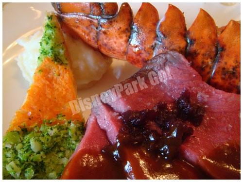 ローストビーフとオマール海老オーブン焼き オニオングレイヴィーソースとアメリケーヌソース