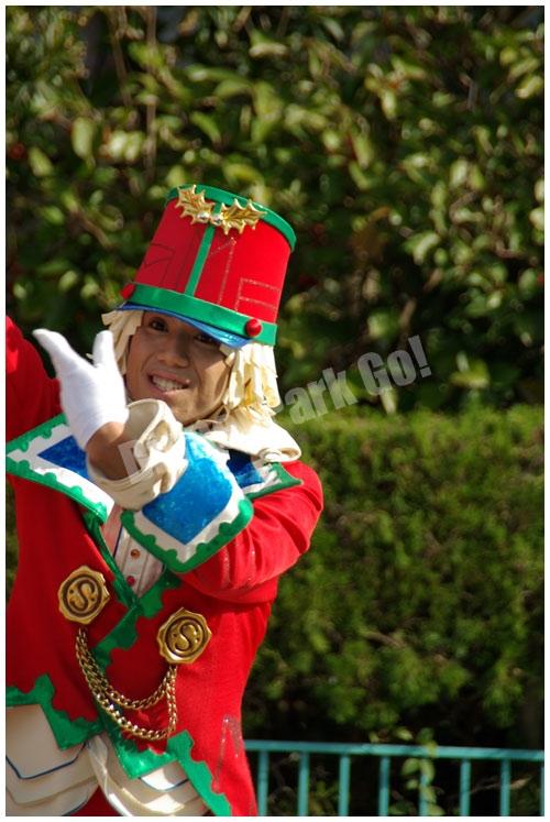 ディズニー・サンタヴィレッジ・パレードのダンサー(第1グループ男性)