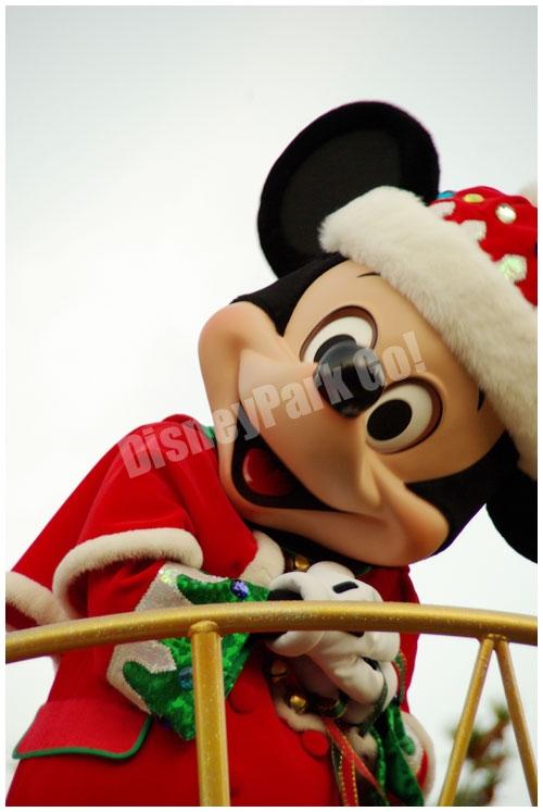 ディズニー・サンタヴィレッジ・パレードのミッキー