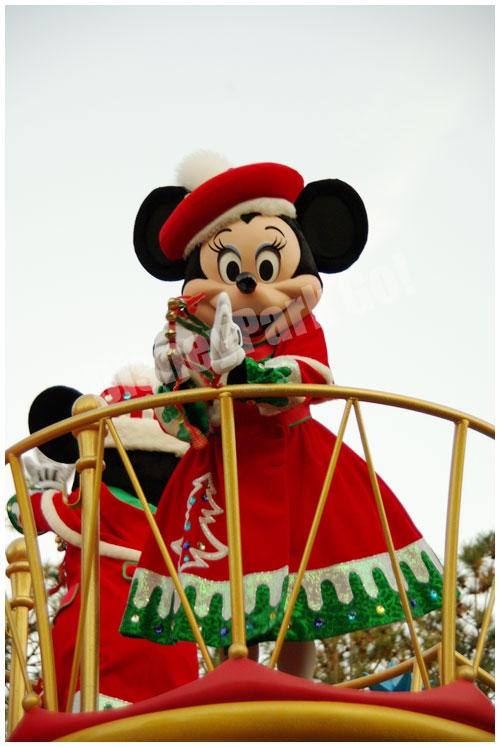 ディズニー・サンタヴィレッジ・パレードのミニー