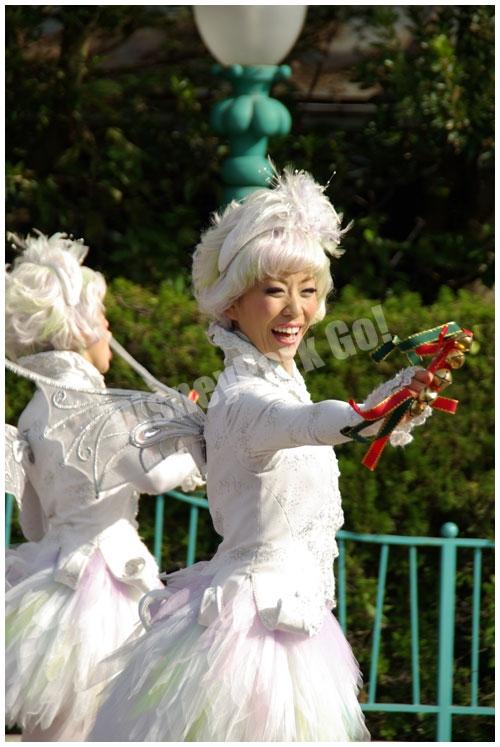 ディズニー・サンタヴィレッジ・パレードの ダンサー(妖精)
