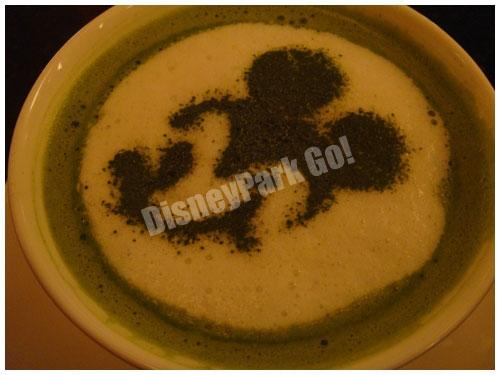 抹茶ラテのミッキーシルエット