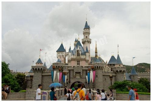 香港ディズニーランドの眠れる森のお城