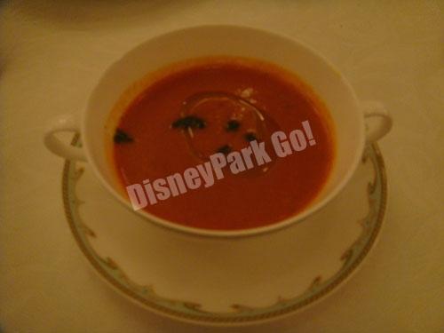 トマトと香味野菜の冷静スープ