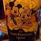 テディ・ルーズヴェルト・ラウンジで酒呑みながらパフェ