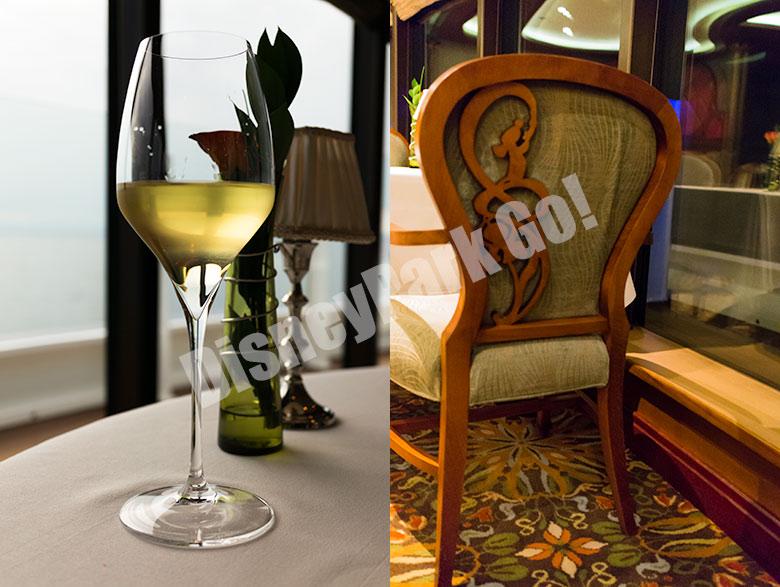 レミーの椅子とテーブルの飾り