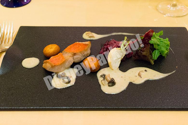 金目鯛のパンシアード 茸のソース サツマイモのニョッキフライ添え