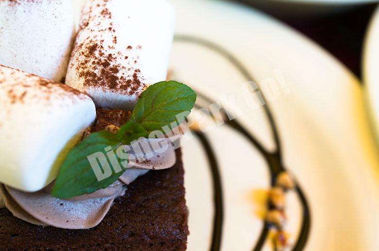 チョコレートブラウニーとマシュマロ