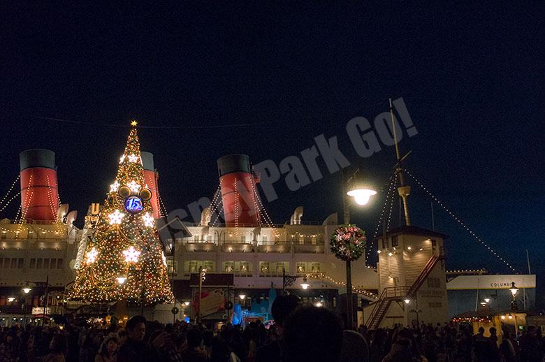SSコロンビアとクリスマスツリー