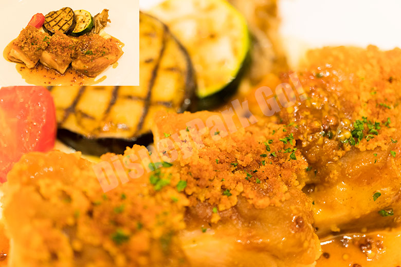 日向鶏のコンフィ オニオンのグラチネ 粒マスタードソース