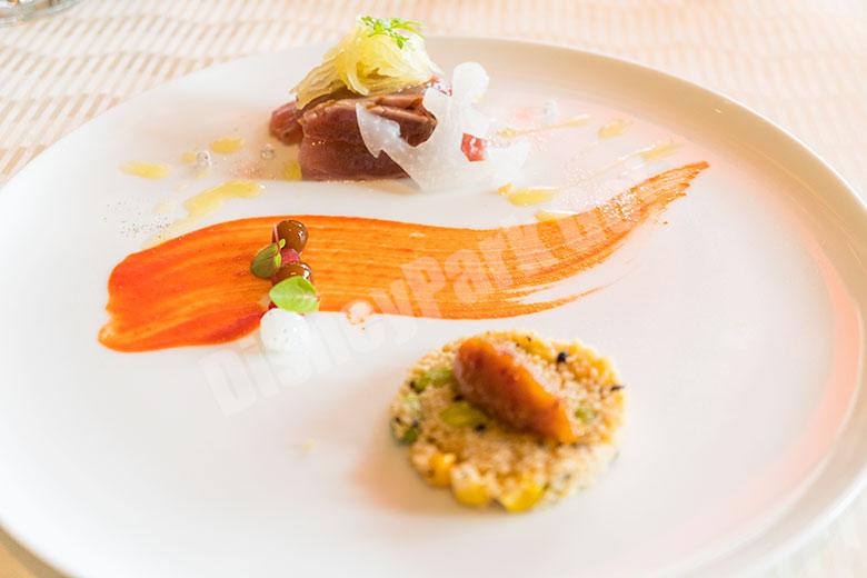 グロのグリルとスパイス香る彩り野菜のタブレ ラム酒とドライフルーツのチャツネ