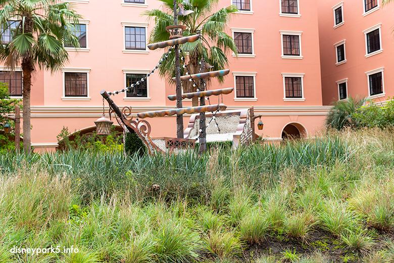 セレブレーションホテル「ディスカバー」のお庭にある海賊船